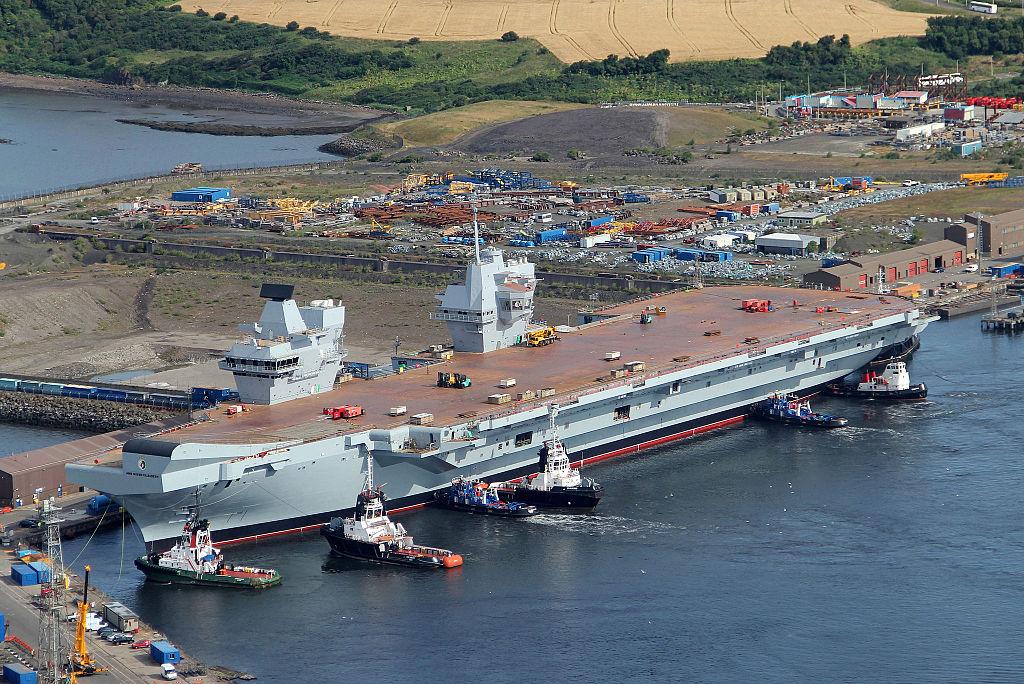 HMS_Queen_Elizabeth_in_Rosyth_Dockyard_MOD_451582301.jpg